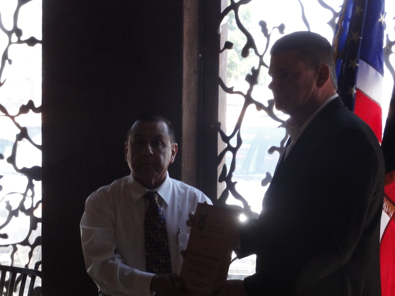 Sheriff Wiles receives plaque.JPG
