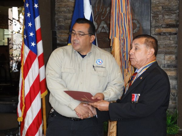 Alex Miranda receive Certificate of Appreciation from LTC Beltran.JPG