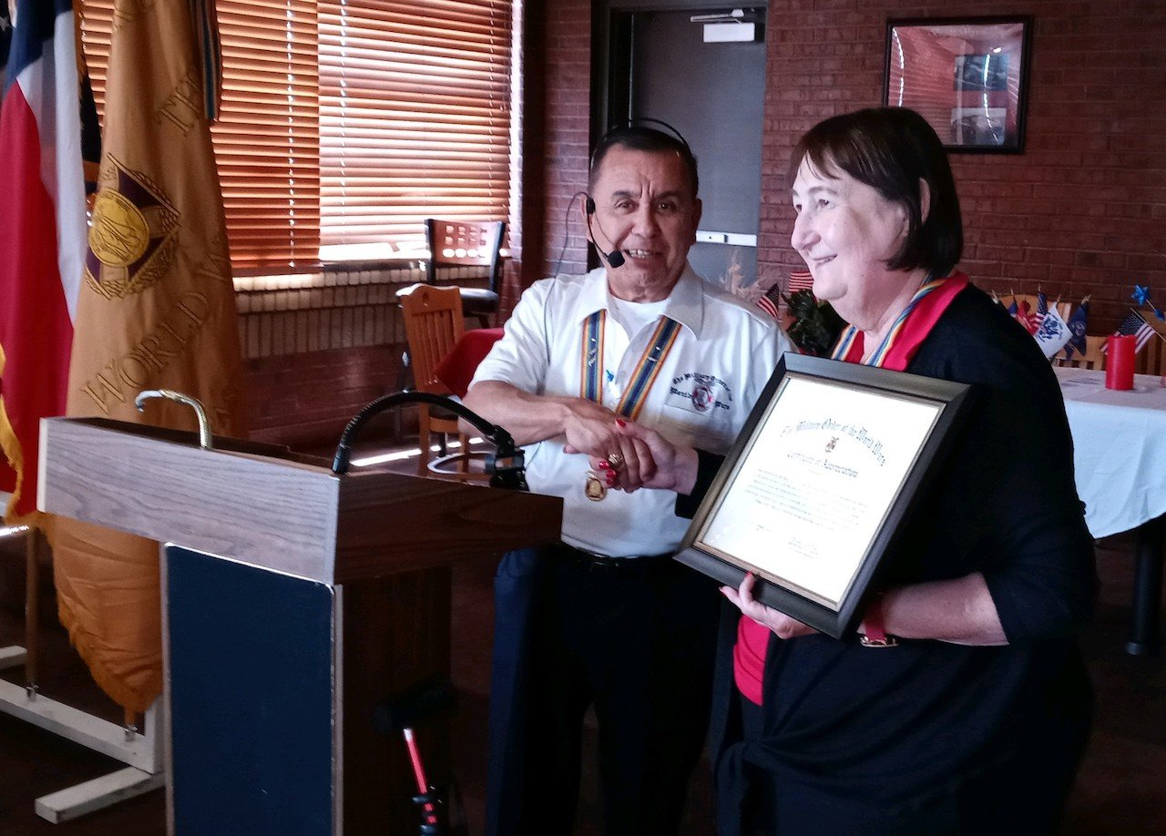 CPT Paula Mitchell Presented a Certificate of Appreciation for her service as VCINC.jpeg