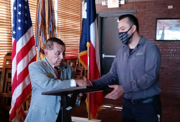 Applebees Manager Thanked for their assistance in hosting the meeting.jpeg